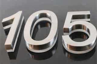 husnummer børstet stål